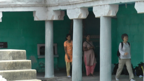Walking around the inner sanctum of the Makaral Temple
